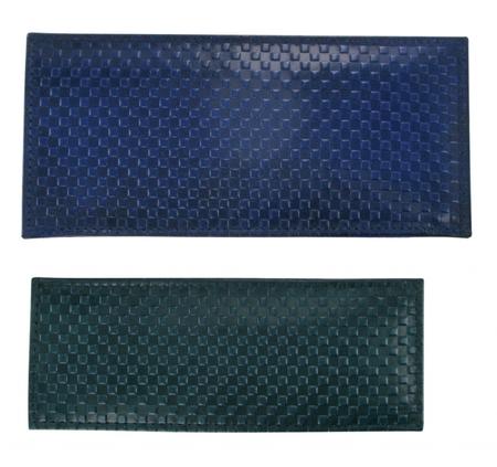 vertikální kožené pouzdro s plastickým povrchem MENŠÍ, model D102