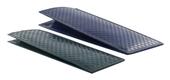 vertikální kožené pouzdro s plastickým povrchem VĚTŠÍ, model D104 - fialová
